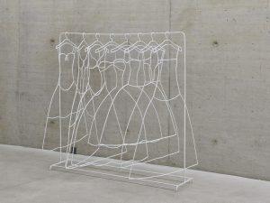 Iron Wedding (2008) / Steel, paint / 180 x 180 x 100 cm